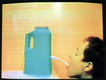 Cheryl Donegan, Head (Still), 1993, 1-Kanal-Video (Farbe, Ton) © the artist, Courtesy Sammlung Goetz, Medienkunst, München