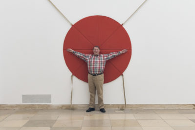Franz Erhard Walther. Shifting Perspectives, Installationsansicht, Aktivierung, Haus der Kunst, 2020, Foto: Maximilian Geuter © VG Bild-Kunst, Bonn 2020