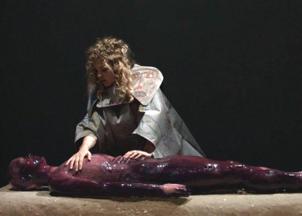 Mariechen Danz: Knot in Arrow: Ore Oral Orientation, 2017 Performance, Viva Arte Viva, curated by Christine Macel, 57. Biennale di Venezia (film still) Courtesy Mariechen Danz