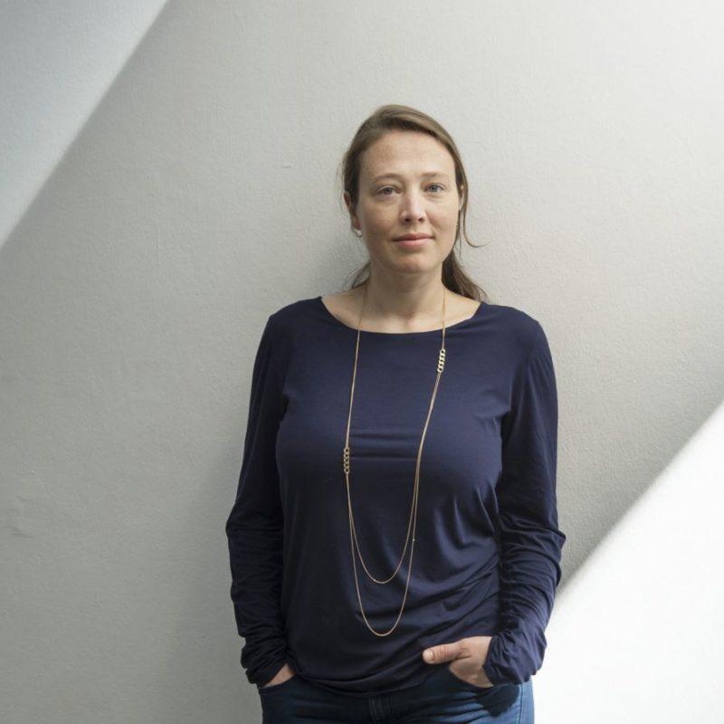 """Kuratorenführung mit Anna Schneider durch """"Innenleben"""""""