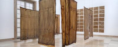 Heidi Bucher. Metamorphosen, Ausstellungsansicht, Haus der Kunst, 2021, Foto: Markus Tretter