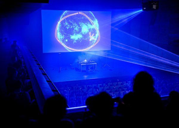 Nkisi, The Spiral AV show with Charlie Hope at Muziekgebouw Amsterdam © Pieter Kers