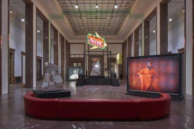 Theaster Gates. Black Chapel, Ausstellungsansicht / Installation view Haus der Kunst, Foto: Jens Weber, München