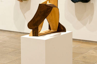 Vincent Fecteau, Untitled, 2006/10, Sculptural Acts, installation view, Haus der Kunst, 2011, photo Wilfried Petzi