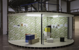 Manfred Pernice, Tutti IV, installation view, Haus der Kunst, 2013, photo Jörg Koopmann