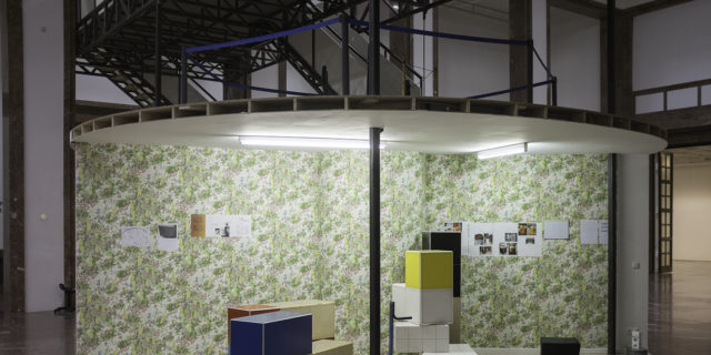 Manfred Pernice, Tutti IV, installation view, Haus der Kunst, 2013, photo Jörg Koopmann