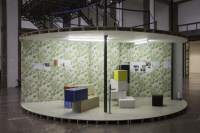 Manfred Pernice, Tutti IV, Installationsansicht, Haus der Kunst, 2013, Foto Jörg Koopmann
