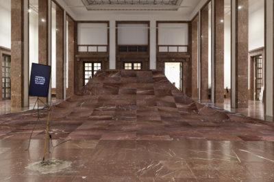 Laure Prouvost DER ÖFFENTLICHKEIT - Von den Freunden Haus der Kunst: We would be floating away from the dirty past. Installation view Haus der Kunst, 2015. Photo: Wilfried Petzi